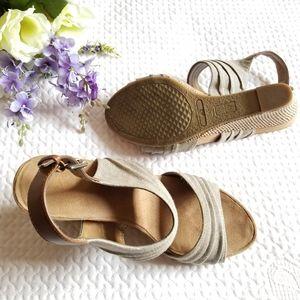 A2 By Aerosoles Shoes - UWB A2 by Aerosol Wedge sandals Size 9M